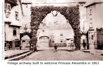 Archway across North Street